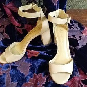 Antonio Melani block heel sandals